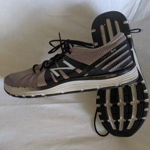 New Balance Shoes - New Balance 811 Training Shoes sz 9